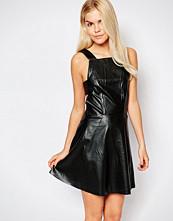 stylestalker Style Stalker Heart to Heart Dress