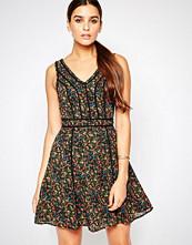 Adelyn Rae Floral Print Dress