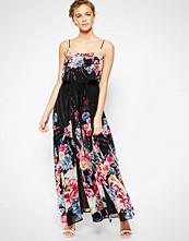 Coast Costa Rica Maxi Dress in Dark Floral