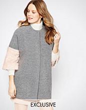 Helene Berman Kimono Coat In Grey With Pink Fluffy Sleeve