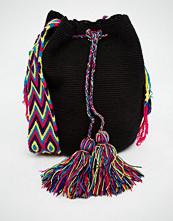 Jardin Del Cielo Wayuu Hand Woven Mochila Bag in Black
