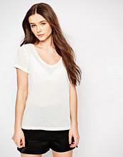 Jdy Classic White V Neck T shirt