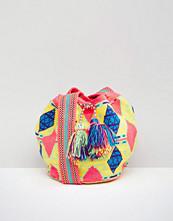 Jardin Del Cielo Wayuu Hand Woven Mochila Bag in Pink