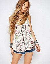 Glamorous Floral Embroidered Vest