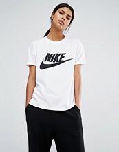 Nike Signal Short Sleeve T-Shirt With Large Logo
