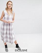 Reclaimed Vintage Sleeveless Smock Midi Dress