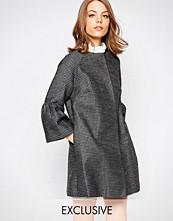 Helene Berman Fluted Sleeve Jacket In Textured Metallic Check