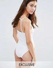 Boohoo Exclusive Strappy Back Body