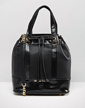 Claudia Canova Shoulder Bag With Chain Straps