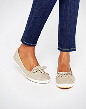 Keds Metallic Canvas Teacup Trainer