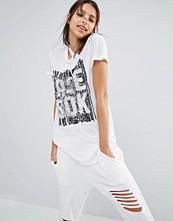 Reebok Logo Front T-Shirt With Asymmetric Hem