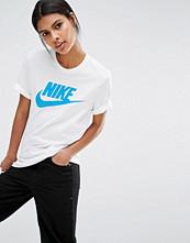 Nike Boyfriend T-Shirt With Futura Icon Logo