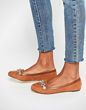 Oasis Chain Trim Loafer