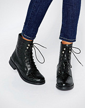 Pieces Ibi Croc Print Leather Lace Up Worker Boots