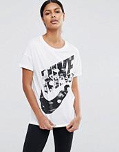 Nike Printed Swoosh Short Sleeve T-Shirt With Large Logo