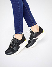Puma R698 Trainers In Black And Pink