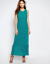 Sisley Embroidered Maxi Dress