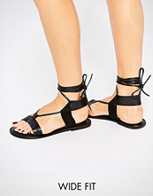 ASOS FAIR GROUND Wide Fit Leather Flat Sandals