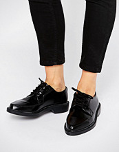 T.U.K T.U.K. Jam Point Lace Up Leather Flat Shoes