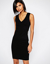 Sisley Sleeveless V Neck Bodycon Dress in Black