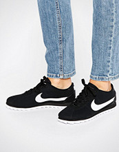 Nike Cortez Ultra Moire Trainers In Perforated Black And White