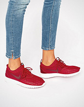 Nike Juvenate Trainers In Burgundy