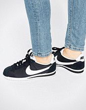 Nike Classic Cortez Trainers In Black And White