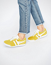 Gola Classic Harrier Trainers In Yellow