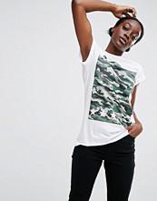 ASOS T-Shirt With Camo Star Print