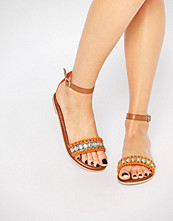 Boohoo Boutique 2 Part Pom And Bead Sandal