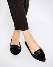 Oasis Pointed Flat Pump