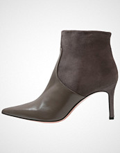 Oxitaly STEFY Ankelboots taupe/donkey