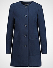 KIOMI SEPTEMBER Kort kåpe navy blazer