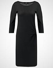 someday. QUICK Strikket kjole black
