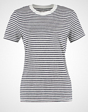 Selected Femme SFMY PERFECT Tshirts med print peacoat