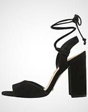 Buffalo Sandaler med høye hæler black
