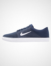 Nike Sb PORTMORE Joggesko mid navy/white/gum light brown