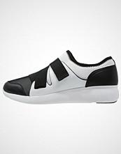 DKNY TILLY Joggesko black/white