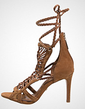 Buffalo Sandaler med høye hæler tan