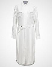 Cameo Collective ON POINT Fotsid kjole white/black