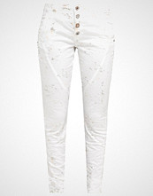 Cream Slim fit jeans chalk