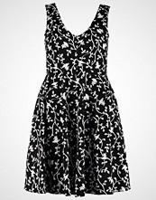 Closet Curves Tshirts med print black/white