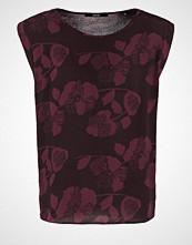 someday. ZAIRA Tshirts med print aubergine