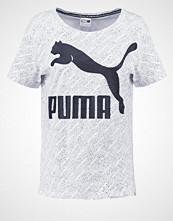 Puma Tshirts med print white
