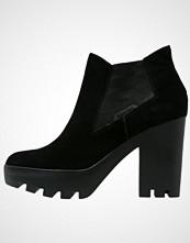 Calvin Klein SANDY Platåstøvletter black