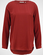 Rich & Royal Bluser maroon red
