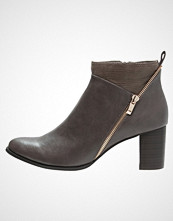 Divine Factory Ankelboots taupe