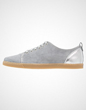KIOMI Joggesko grey/silver