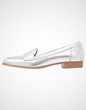 KIOMI Slippers argento