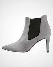 Brenda Zaro Ankelboots grey